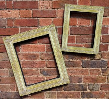 Set of two frames